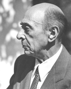 Arnold Schoenberg, Los Angeles, 1948. By Florence Homolka [Attribution], via Wikimedia Commons. Click to enlarge.
